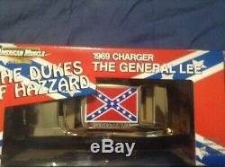 ULTRA RARE BN Dukes Of Hazzard George Barris GOLD General Lee 1/18. 1/100