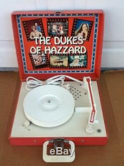 VINTAGE Original 1981 Dukes of Hazzard General Lee Record Player withMic & 3 Books