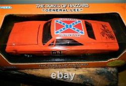 Vtg 1998 Dukes of Hazzard Die Cast Dodge General Lee 7967 AUTOGRAPHED NIB 125